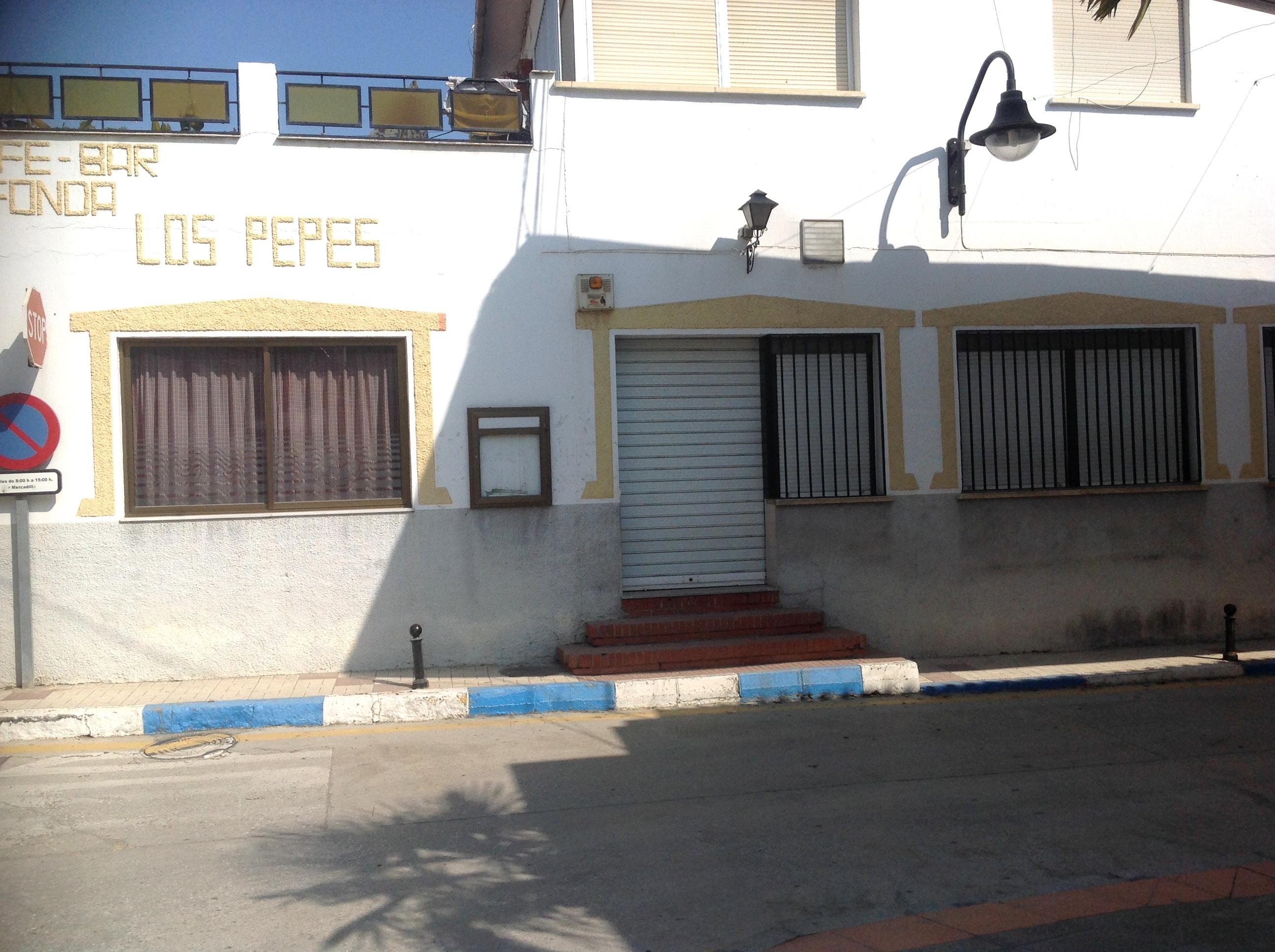 Bar en alquiler en Benamargosa, Málaga, con buena cocina