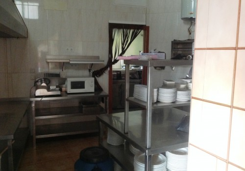 bar-en-alquiler-en-benamargosa-malaga-buena-cocina-4