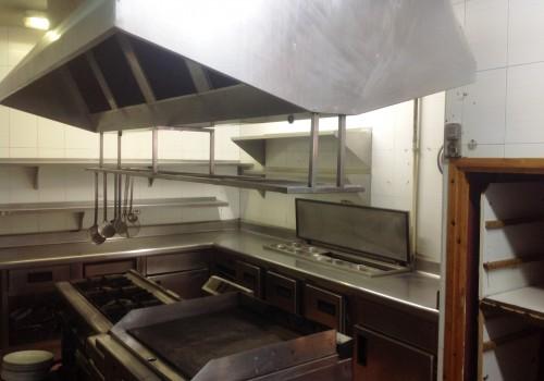 bar-en-alquiler-en-lleida-amplia-cocina-terraza-en-paseo-2