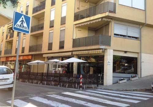 bar-en-alquiler-en-berga-barcelona-con-cocina-y-terraza-5