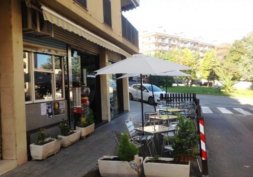 bar-en-alquiler-en-berga-barcelona-con-cocina-y-terraza-6