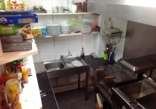 bar-en-alquiler-en-berga-barcelona-con-cocina-y-terraza-9