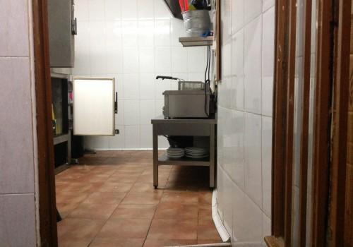 bar-en-alquiler-en-uceda-guadalajara-montado-y-con-cocina-20