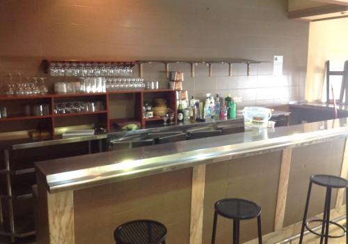 bar-en-venta-en-cordoba-montado-y-con-cocina-1