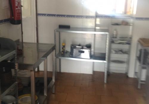 bar-en-alquiler-en-aviles-asturias-con-cocina-y-terraza-interior-10