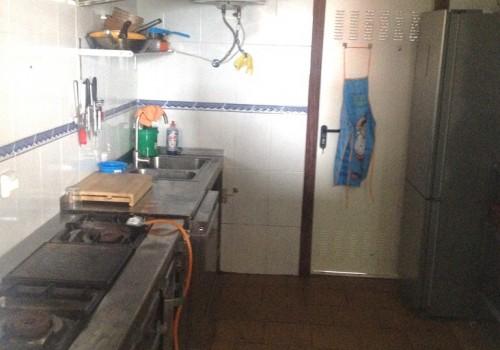 bar-en-alquiler-en-aviles-asturias-con-cocina-y-terraza-interior-11