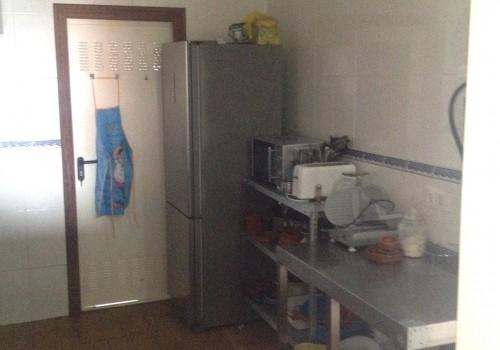 bar-en-alquiler-en-aviles-asturias-con-cocina-y-terraza-interior-12