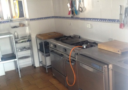 bar-en-alquiler-en-aviles-asturias-con-cocina-y-terraza-interior-9