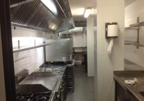 bar-restaurante-en-alquiler-en-solares-cantabria-montado-y-con-cocina-11