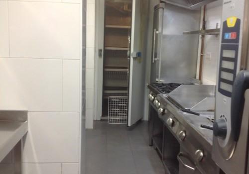 bar-restaurante-en-alquiler-en-solares-cantabria-montado-y-con-cocina-14