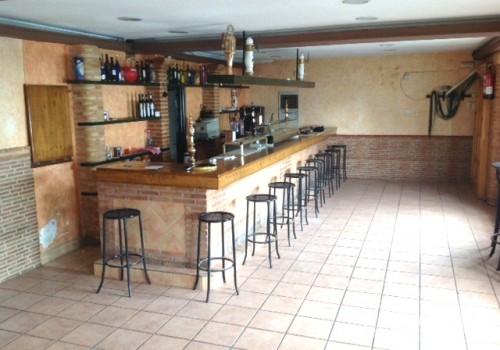 bar-en-alquiler-en-almagro-ciudad-real-con-cocina-y-terraza-4