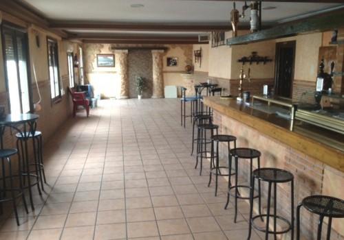 bar-en-alquiler-en-almagro-ciudad-real-con-cocina-y-terraza-6