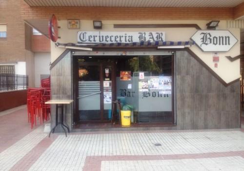 bar-en-alquiler-en-zaragoza-con-terraza-y-cocina-7