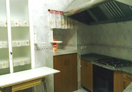 bar-en-alquiler-en-castro-del-rio-cordoba-bien-situado-y-con-cocina-1