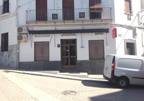 bar-en-alquiler-en-castro-del-rio-cordoba-bien-situado-y-con-cocina-11
