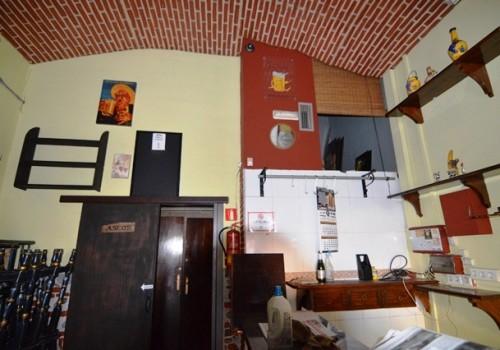 bar-en-venta-en-almeria-bien-situado-y-con-terraza-3