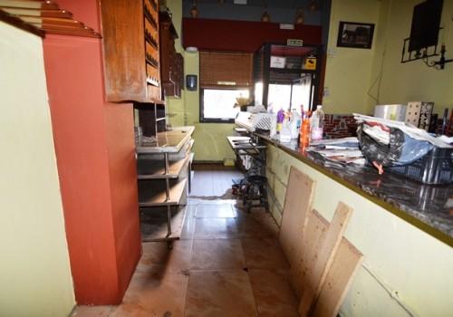 bar-en-venta-en-almeria-bien-situado-y-con-terraza-4