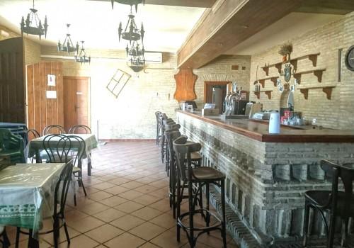 bar-restaurante-en-alquiler-en-el-real-de-la-jara-sevilla-totalmente-montado-16