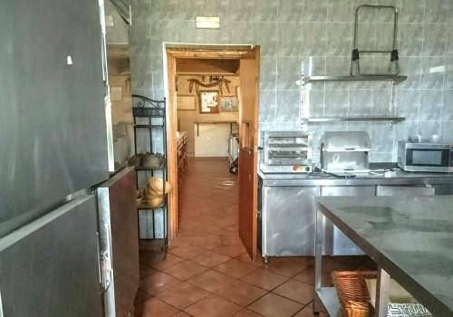 bar-restaurante-en-alquiler-en-el-real-de-la-jara-sevilla-totalmente-montado-4