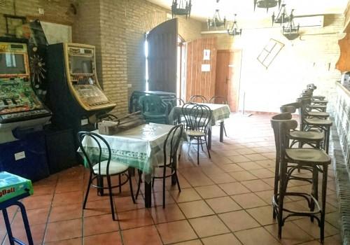 bar-restaurante-en-alquiler-en-el-real-de-la-jara-sevilla-totalmente-montado-6
