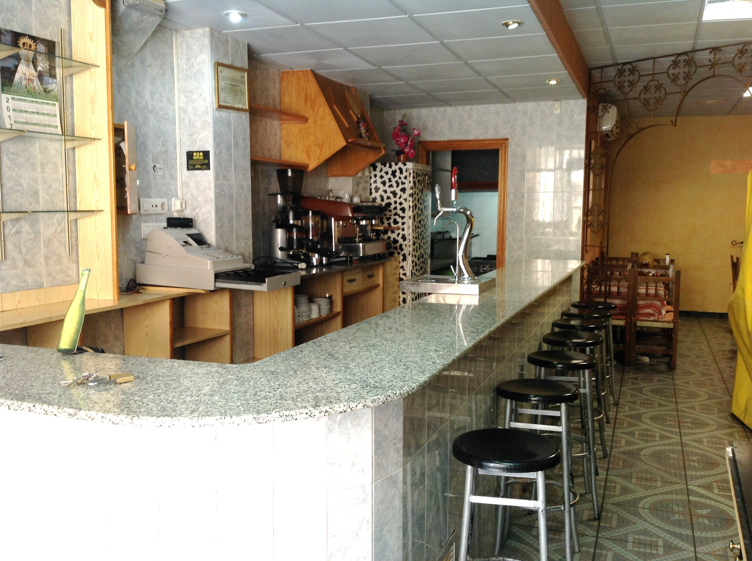 Bar En Alquiler En Pozo Alc N Ja N Montado Y Bien Situado # Muebles Pozo Ocana