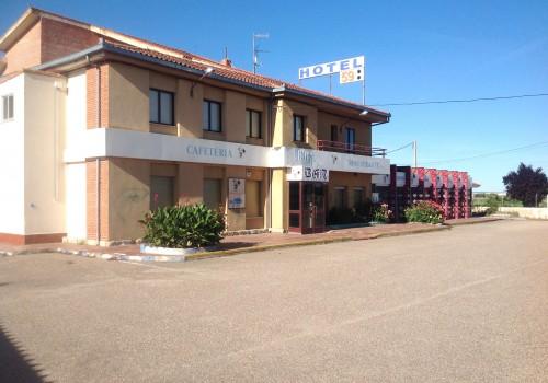 bar-en-venta-en-zamora-con-hotel-en-carretera-37