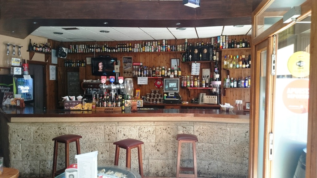 BAR BARRIL