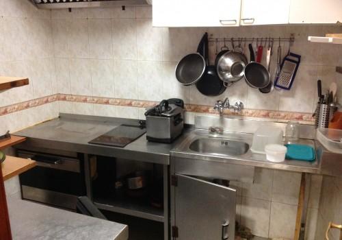 bar-en-alquiler-en-rascafria-madrid-montado-y-con-cocina-3