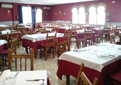 bar-restaurante-en-alquiler-en-toledo-grande-y-equipado-8