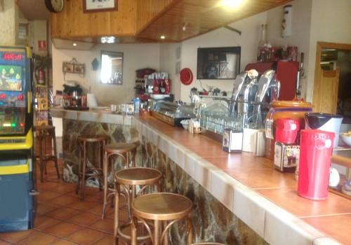 bar-en-venta-en-alovera-guadalajara-totalmente-montado-y-con-terraza-32