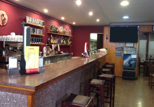 bar-en-alquiler-en-torello-barcelona-con-terraza-2