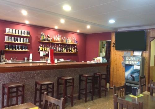 bar-en-alquiler-en-torello-barcelona-con-terraza-3