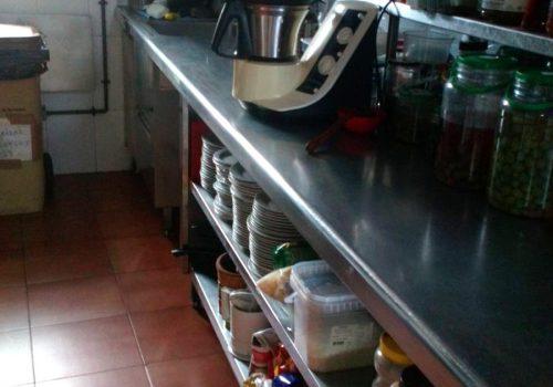 bar-en-alquiler-en-terrassa-barcelona-montado-y-con-cocina-completa-4