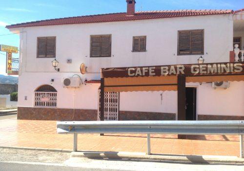 bar-en-alquiler-en-cantoria-almeria-con-amplia-terraza-1