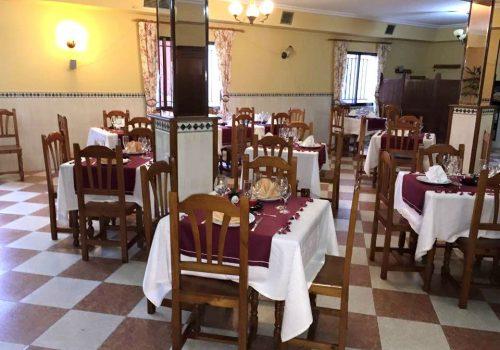 bar-en-alquiler-en-zarza-de-granadilla-caceres-con-restaurante-y-hostal-7