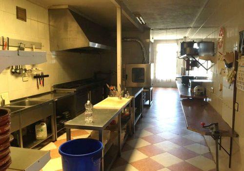 bar-en-alquiler-en-zarza-de-granadilla-caceres-con-restaurante-y-hostal-9