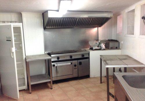 bar-restaurante-en-alquiler-en-la-pobla-de-segur-lleida-con-cocina-equipada-2