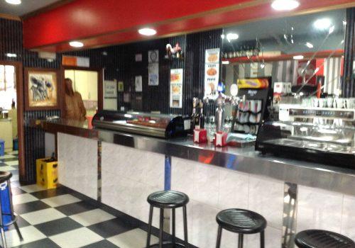 bar-en-alquiler-en-valladolid-montado-y-con-cocina-2