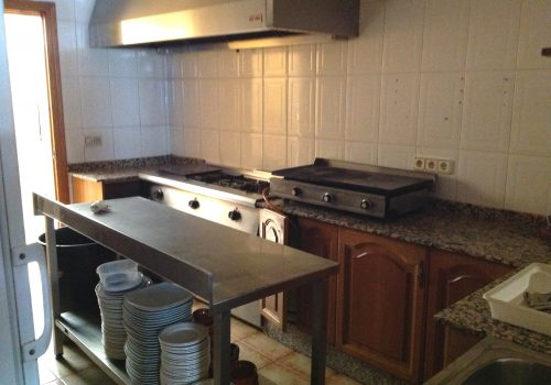 bar-en-alquiler-en-fuensanta-de-martos-jaen-montado-y-con-cocina-11