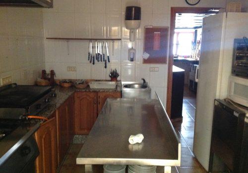 bar-en-alquiler-en-fuensanta-de-martos-jaen-montado-y-con-cocina-12