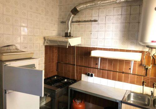 bar-pequeño-en-alquiler-en-leon-con-cocina-equipada-4