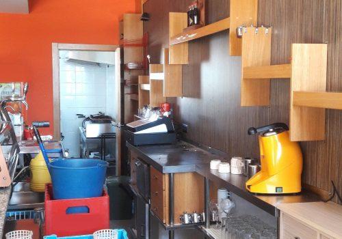 bar-en-alquiler-en-plasencia-caceres-montado-con-cocina-y-terraza-3