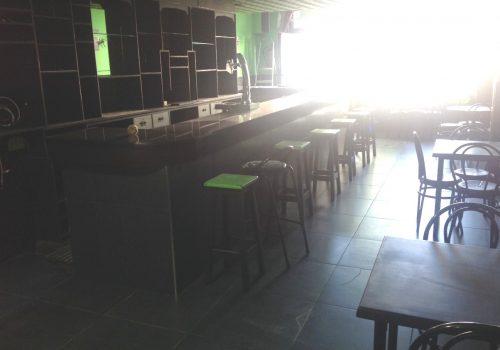 bar-en-alquiler-en-el-barco-de-avila-avila-en-una-plaza-4