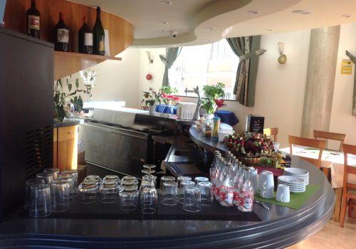 bar-con-cocina-en-alquiler-en-maliaño-cantabria-montado-2