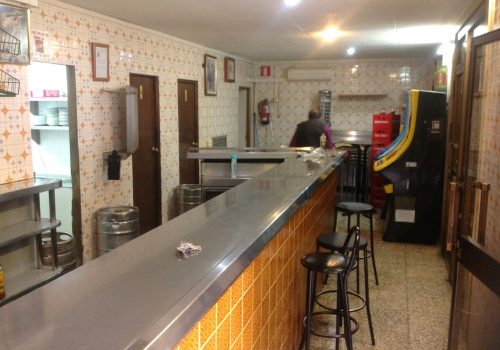 bar-con-amplia-terraza-en-alquiler-en-sevilla-5