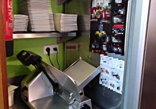 bar-montado-en-alquiler-en-berga-barcelona-con-cocina-2