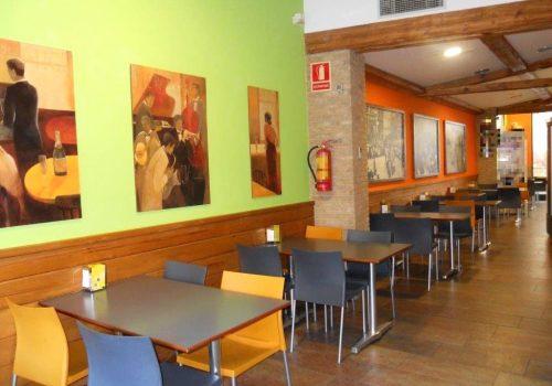 bar-montado-en-alquiler-en-berga-barcelona-con-cocina-6