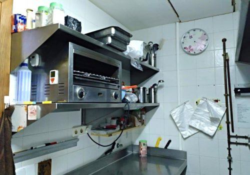 bar-montado-en-alquiler-en-berga-barcelona-con-cocina-9