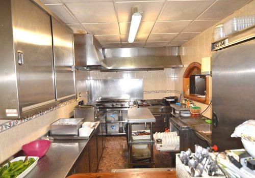 bar-en-alquiler-en-almeria-totalmente-montado-y-con-cocina-4