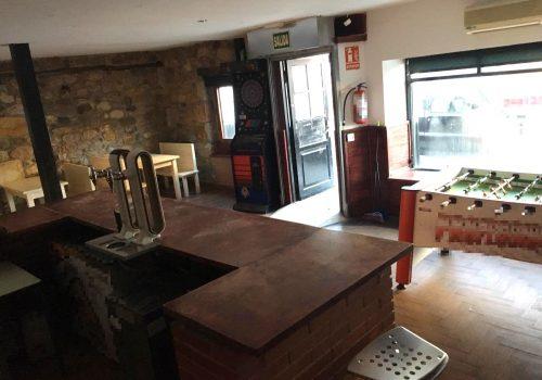 bar-con-cocina-en-alquiler-en-los-corrales-de-buelna-cantabria-2